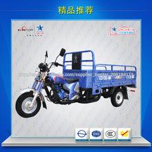 Adultos la moto