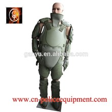 Verde militar riot traje