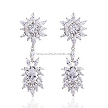 Unique Designer Hot-selling Women Stud Earrings Genuine Platinum Plated Cubic Zircon Fashionable Jewelry