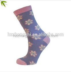 Women classic wholesale bamboo socks with jacquard
