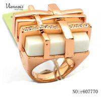 Fashion Rings Jewelry gold finger rings design for women with price