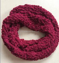 The Latest Fashion Knitting Fluffy Yarn Neck Warmer Round Scarf Super Soft Infinity Scarf