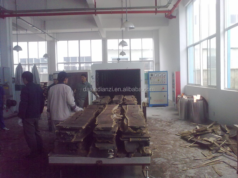 Electric Drying device for lumber with vacuum chamber
