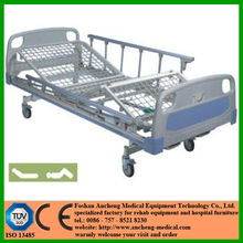 """ISO 13485 and CE certified ANCHENG hospital equipment factory for epoxy coated mesh bedstead metal hospital bed with 5"""" castors"""