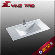 Nuevo producto mediana altura sencilla WC muebles de pedestal lavabo de cerámica blanca y el patrón