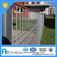 Made In Guangdong decorative wire mesh panels garden fencing
