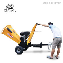 Monthly sales 700 pieces self powered CE approved 13HP Honda petrol engine towable industry wood chips log making machine