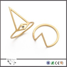 Female fashion jewelry wholesale latest gold finger ring designs with stainless steel