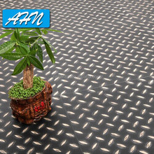 China Manufacturer Symphony Series Antiskid PVC Interlocking Floor Tiles