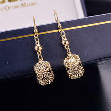 Europe and the United States sell like hot cakes hollow square pattern eardrop frosted earrings fashion gold silver earring
