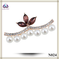 Christmas Decoration Pearl Brooch With Czech diamond