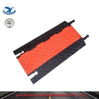 Lower Factoty Price 915*550*53mm Soft Flexible Heavy Duty 5 Channels Rubber Cable Cover Protection