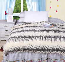 China Trade Assurance Wholesale Textiles Products Flannel Blanket Colourful