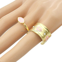 Fashionable gold plated metal alloy lips women sexy ring sets