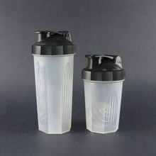 Wholesales 600ml&400ml plastic shaker/Protein Shaker bottle with metal ball