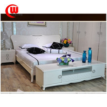 The simplicity of modern French type bed porcelain white paint bed