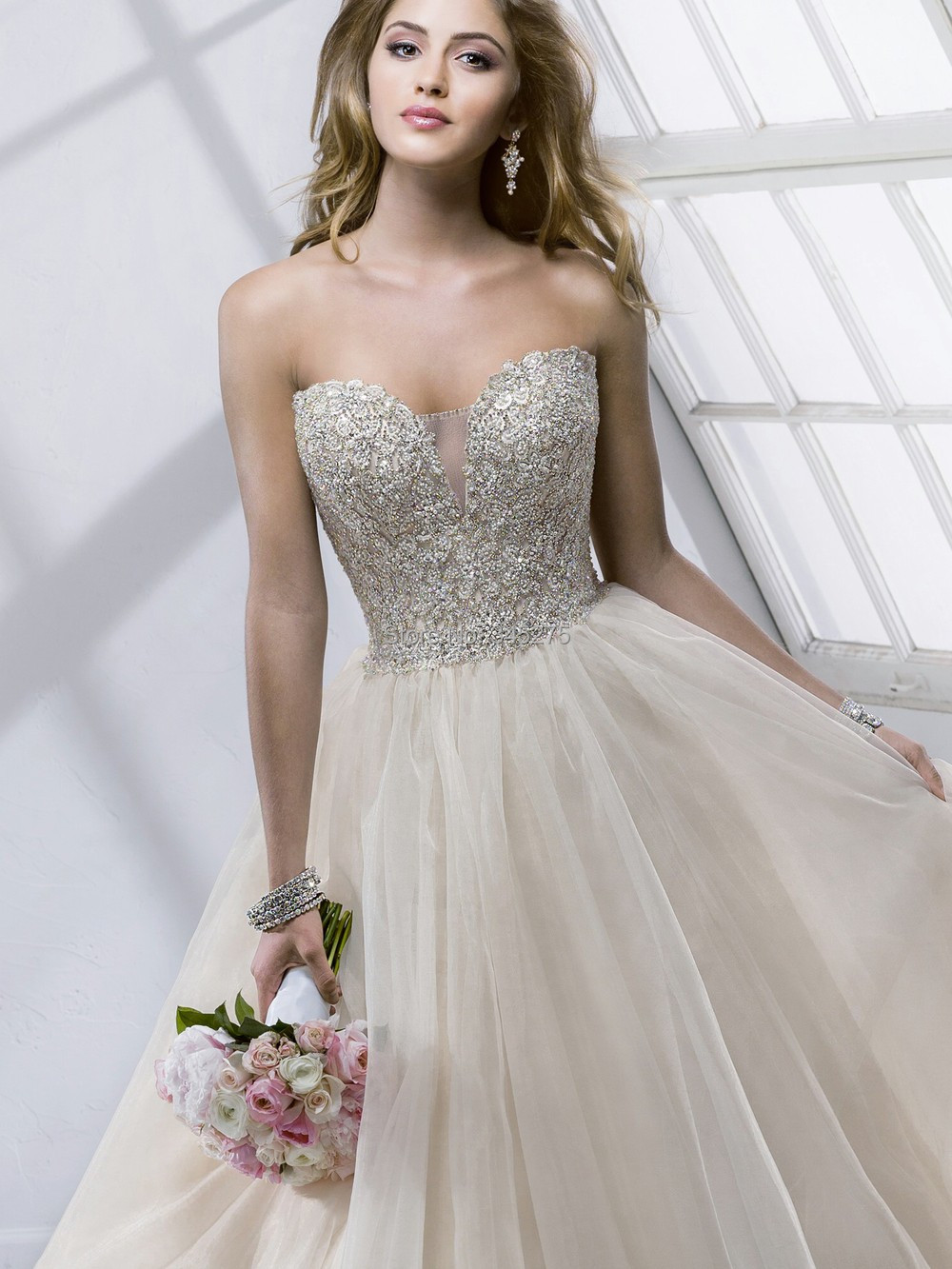 Los mejores vestidos de novia de tamaño extra grande de las novias