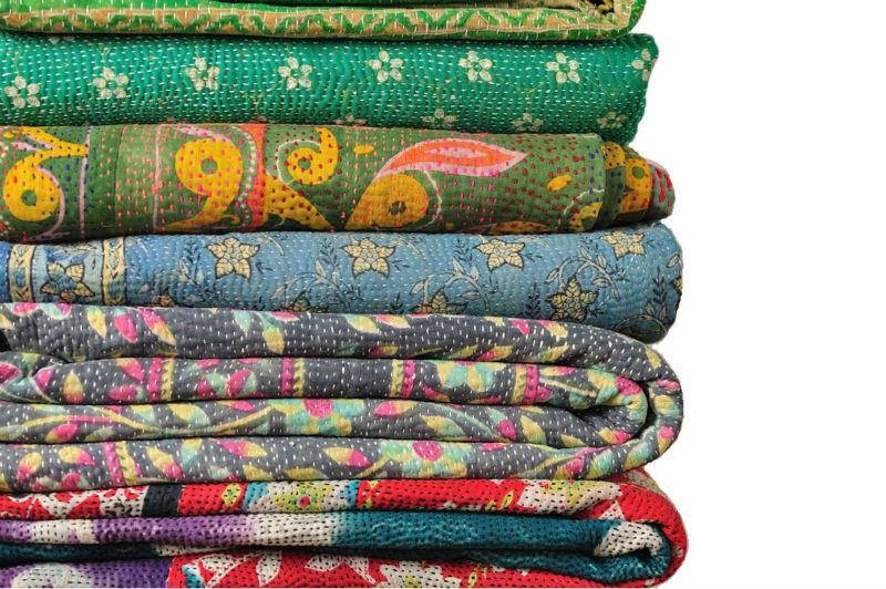 vintage main color indien ikat kantha boutis r versible pur coton made quilt couverture. Black Bedroom Furniture Sets. Home Design Ideas