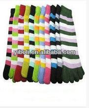 Factory NEW fashion rainbow Colorful Women's & Girl Color stripes five finger Toe Socks quality trend european size socks