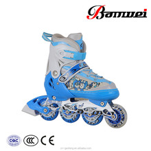 Hot selling best price China manufacturer oem 4 size adjustable roller skate shoes