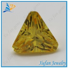 AAA triangle shape golden ceylon gems stone for jewelry