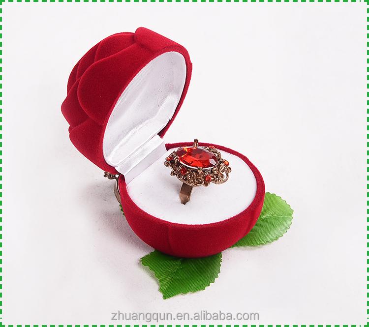 붉은 장미 고급 벨벳 링 상자 녹색 잎, 꽃 모양 링 상자