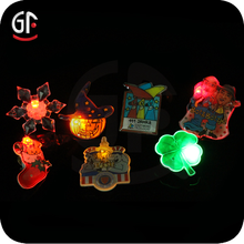2015 New Items Arts And Craft Durable Flashing Magnet Badge
