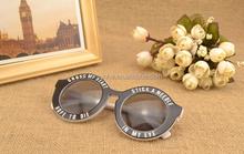 2015 Hottest European Design Retro Sunglasses with Letter Pattern
