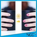 Changement de couleur de vernis à ongles, changement de couleur de vernis à ongles brillant d'or