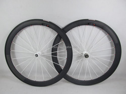 700c carbon fiber bicycle wheels 38mm clincher road wheel basalt brake surface with white novatec hubs red nipples