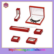 Red wooden jewelry box for jewel set display hot sale