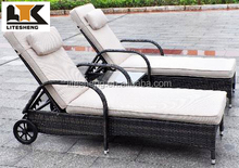 Double Bench Sun Lounge Bali Rattan Outdoor Lounge Furniture With Wheels