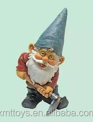 Hard working handmade dwarf Statue garden decoration,gnome statue