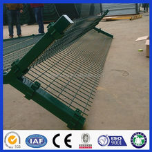 DM Hot Dipped Galvanized Y Post Welded Airport Security Fence wire mesh fence/ razor wire fencing for sale