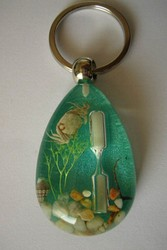 Europe Regional Feature and Resin,Clear Resin Material amber keychain
