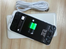 Qi Wireless Charger With Power Bank Function for phones