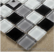 Cheap Black, White and Grey crystal glass mosaic tile with good quality