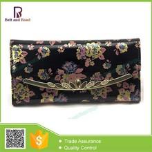 Clutch Wallet Hard Case with Chain, Women's Crossing Wallet, Designer Free Pattern Wallet
