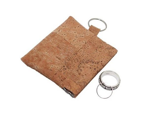 BOS160116 cork coin purse (2).jpg