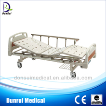 CE Approved 2 Cranks Medical Bed, Hospital Bed Manual