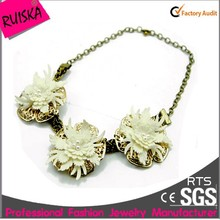 Antique Brass Plating Alloy Three White Handmade Flower Necklace With Imitation Pearl