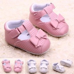 2015 Sweet lovely fashion antislip indoor first step leather baby shoes for girls