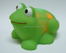 Hot sale baby bath toy rubber green frogs