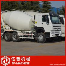mercedes benz auto camion carico di cemento mixer