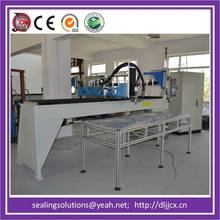 Automatic CNC machinery for sealing