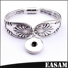 Wholesale Silver Plated flower carven Metal Bracelet with interchangeable snap charms