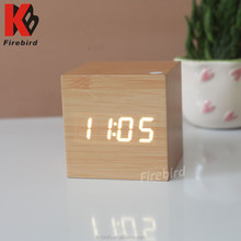 Factory direct free desktop led digital alarm clock for decoration