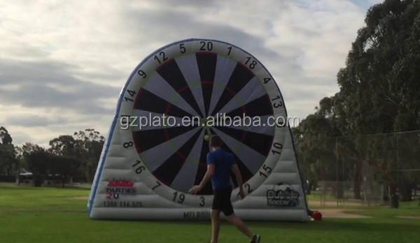4.5 m placa de dardos de futebol inflável/futebol engraçado jogo de dardos para venda