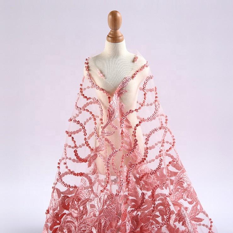 Beautifical colores de diseño las mujeres vestido bordado de encaje rojo tela