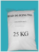 strada del sale antighiaccio per utilizzare neve che si scioglie